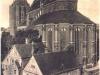 widok na kolegiatę NMP i budynki plebanii z okien szkoły